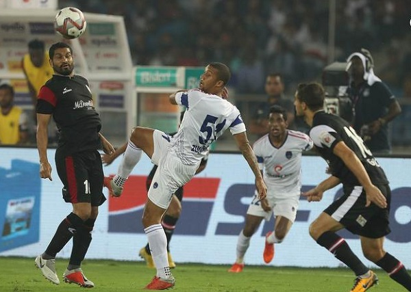 Delhi Dynamos FC, NorthEast United FC, ISL, Football, Football News in hindi, दिल्ली को हराकर नार्थईस्ट ने ISL में शीर्ष स्थान हासिल किया