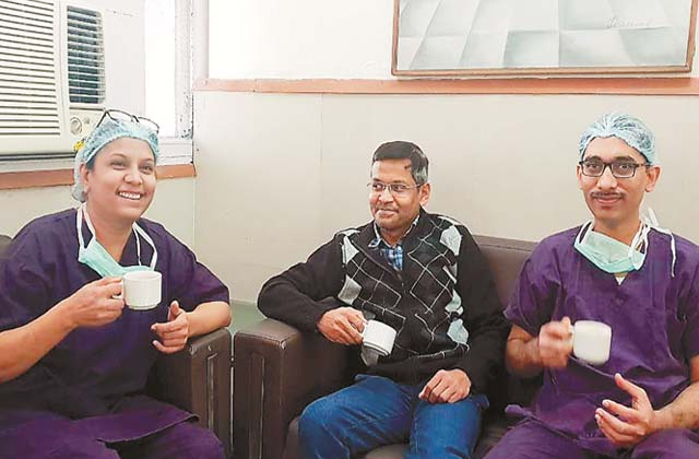 PunjabKesari, World's first hospital, 3 cm tumor removed from little girl