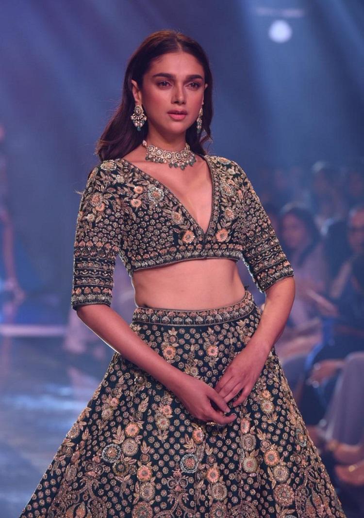 Bollywood Tadka, Aditi Rao Hydari image,  Aditi Rao Hydari photo,  Aditi Rao Hydari picture
