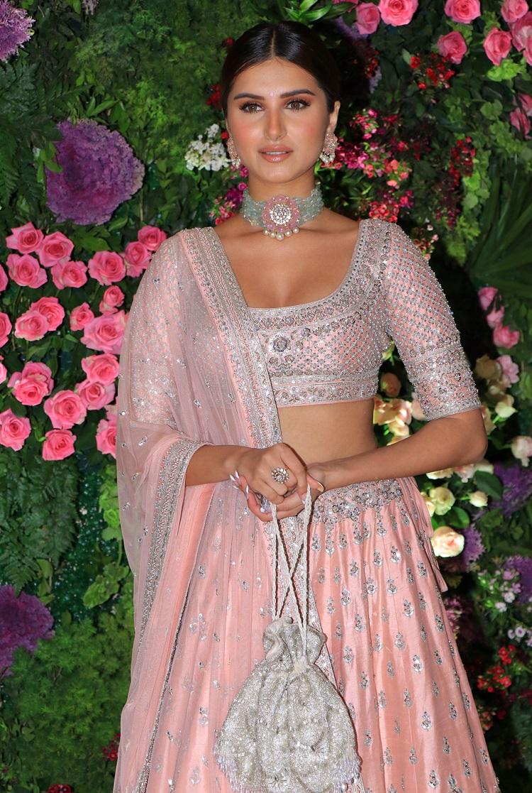 Bollywood Tadka,tara sutaria image, tara sutaria bollywood photo, tara sutaria pictures