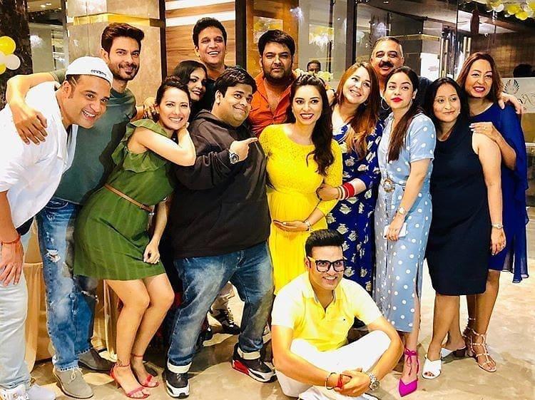 Bollywood Tadka,कपिल शर्मा इमेज, कपिल शर्मा फोटो, कपिल शर्मा पिक्चर,गिन्नी चतरथ इमेज,गिन्नी चतरथ फोटो,गिन्नी चतरथ पिक्चर