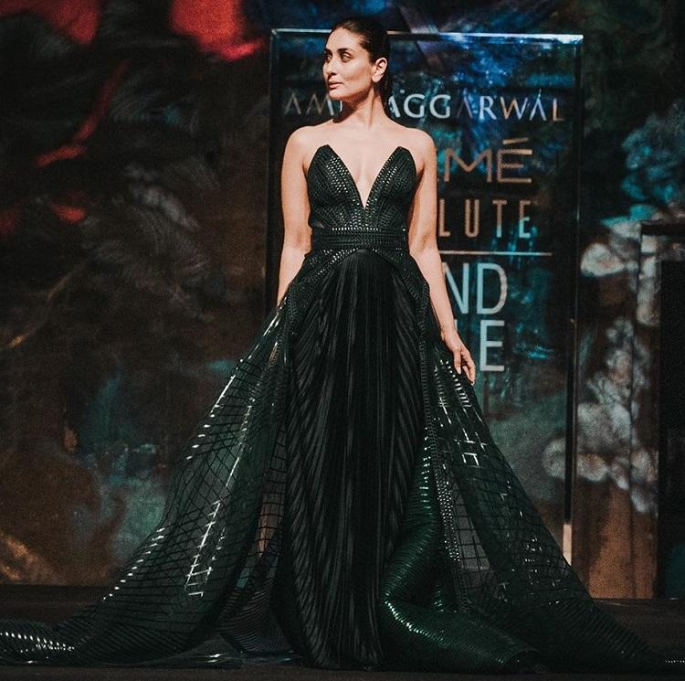 Image result for Lakme Fashion Week 2020: करीना कपूर ने दिखाया अपना जलवा