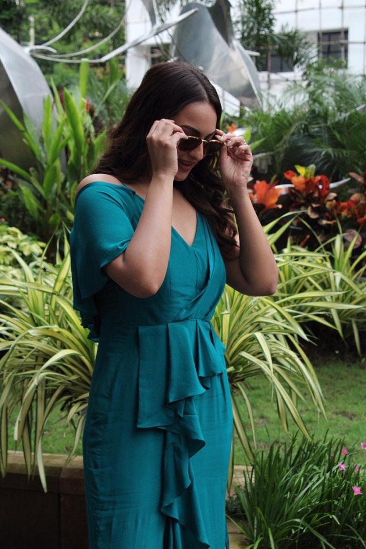 Bollywood Tadka,सोनाक्षी सिन्हा इमेज,सोनाक्षी सिन्हा फोटो, सोनाक्षी सिन्हा पिक्चर,Sonakshi Sinha Photo