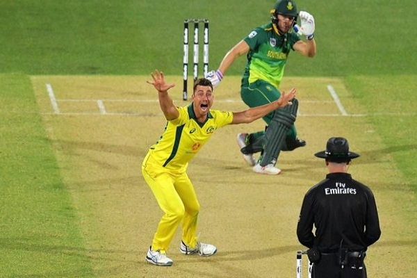 sports news, cricket news hindi, aus vs africa, 2second ODI, Australia won, series 1-1, Eden Markram, Shot, Long six, viewer catch the ball