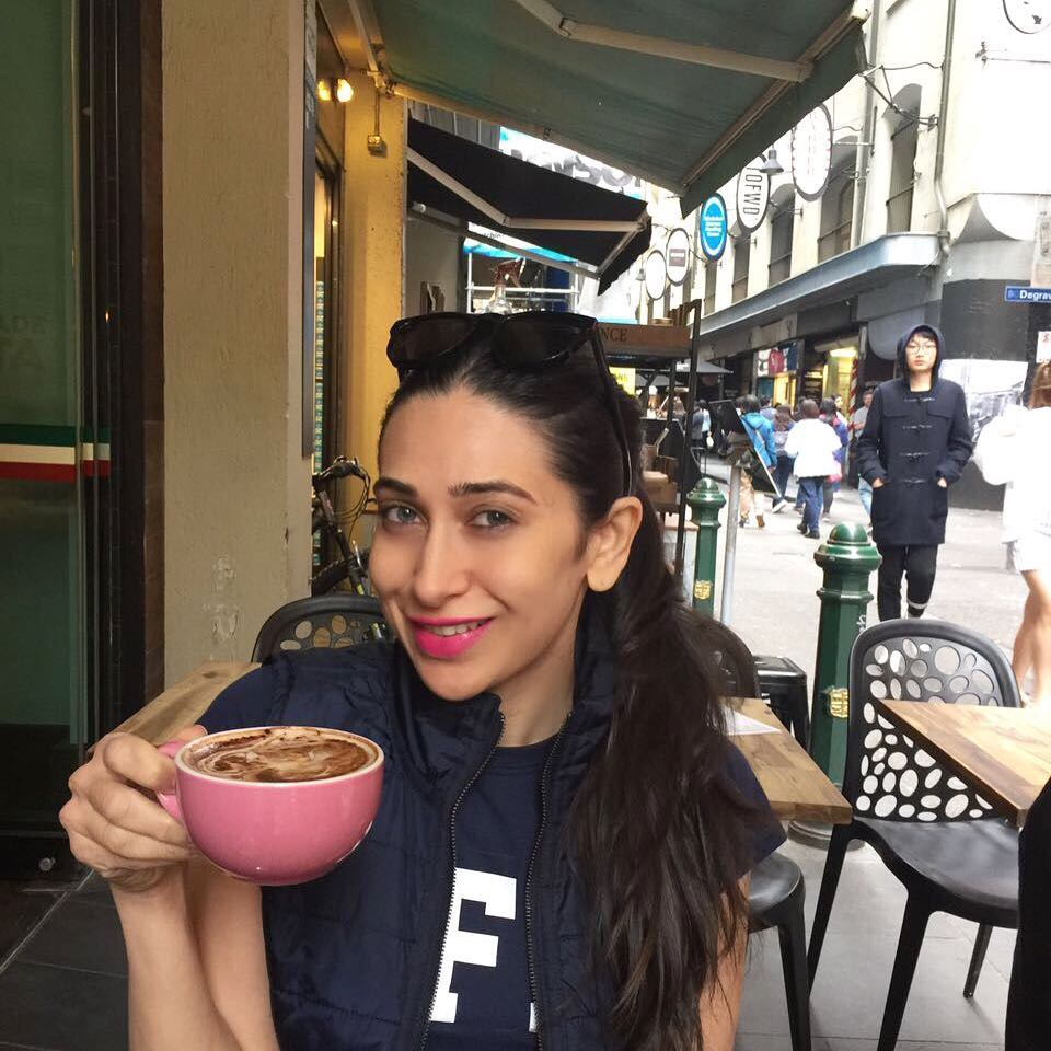 PunjabKesari, Karishma Kapoor Image, Fitness Secrets Image, Beauty Secrets Image