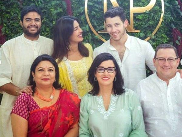 Bollywood Tadka, प्रियंका चोपडा़ इमेज, प्रियंका चोपड़ा फोटो, प्रियंका चोपड़ा पिक्चर