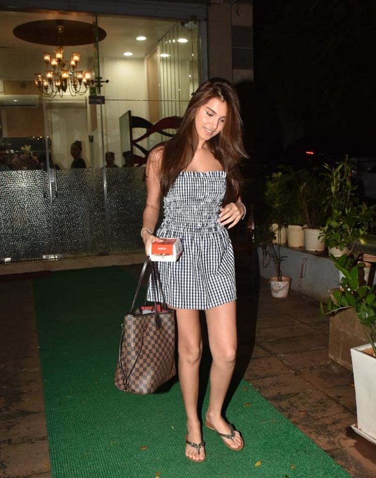 Bollywood Tadka,तारा सुतारिया इमेज,तारा सुतारिया फोटो,तारा सुतारिया पिक्चर