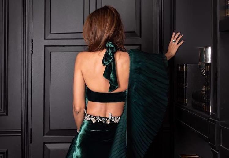 PunjabKesari, Backless blouse design image download, बैकलेस ब्लाउज डिजाइन इमेज डाउनलोड