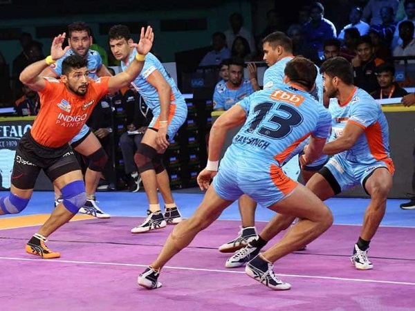 sports news, kabaddi news in hindi, Pro Kabaddi League 2018, Yu Mumba, defeated, Bengal Warriors,