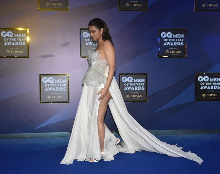 Bollywood Tadka,सुरवीन चावला इमेज, सुरवीन चावला फोटो, सुरवीन चावला पिक्चर