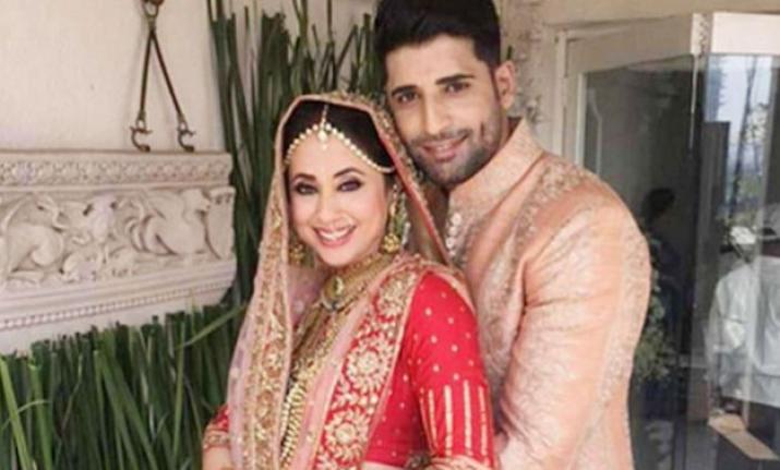 PunjabKesari, urmila with husband
