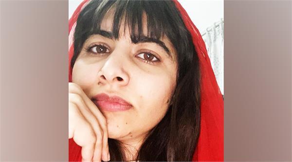 malala yousafzai cuts her own fringe in self quarantine