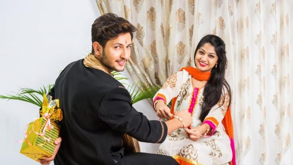 PunjabKesari, Kundli Tv, Raksha Bandhan, Rakhi, Raksha Bandhan 2019, Raksha Bandhan Mantra, Rakhi 2019, राखी, रक्षा बंधन