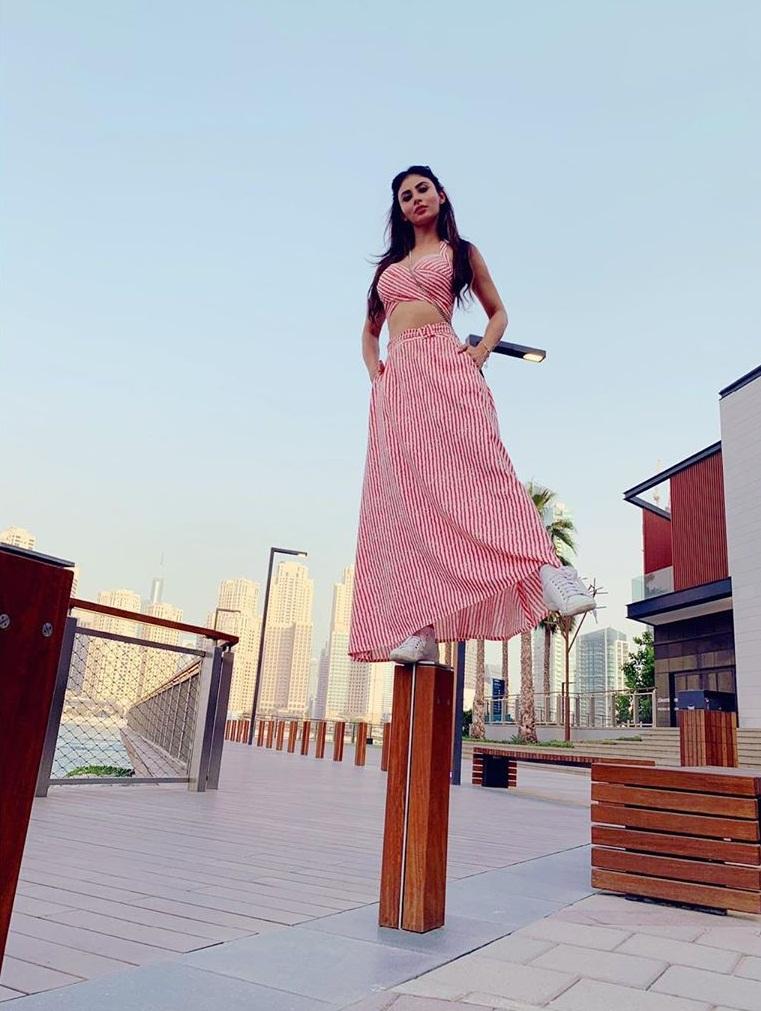 Bollywood Tadka,मौनी राॅय इमेज,मौनी राॅय फोटो, मौनी राॅय पिक्चर,