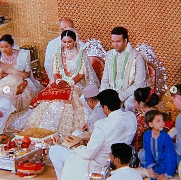Bollywood Tadka,  ईशा अंबानी इमेज, आनंद पीरामल इमेज, मुकेश अंबानी इमेज, नीता अंबानी इमेज, अमिताभ बच्चन इमेज, वेडिंग इमेज, एंटीलिया इमेज