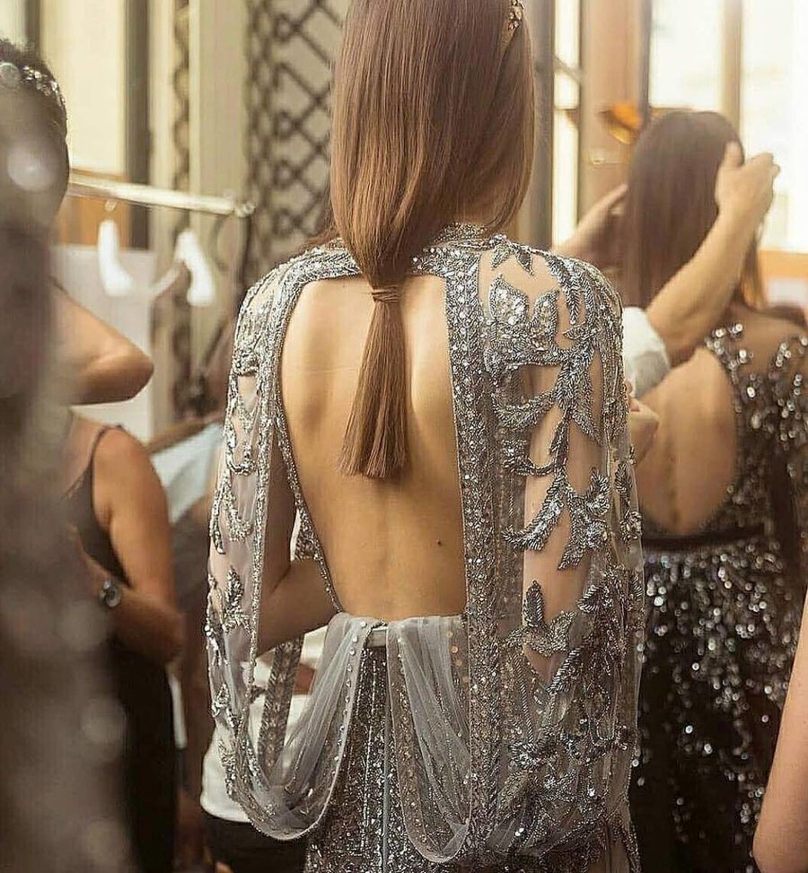 PunjabKesari, Full backless blouse design image, फुल बैकलेस ब्लाउज डिजाइनइमेज