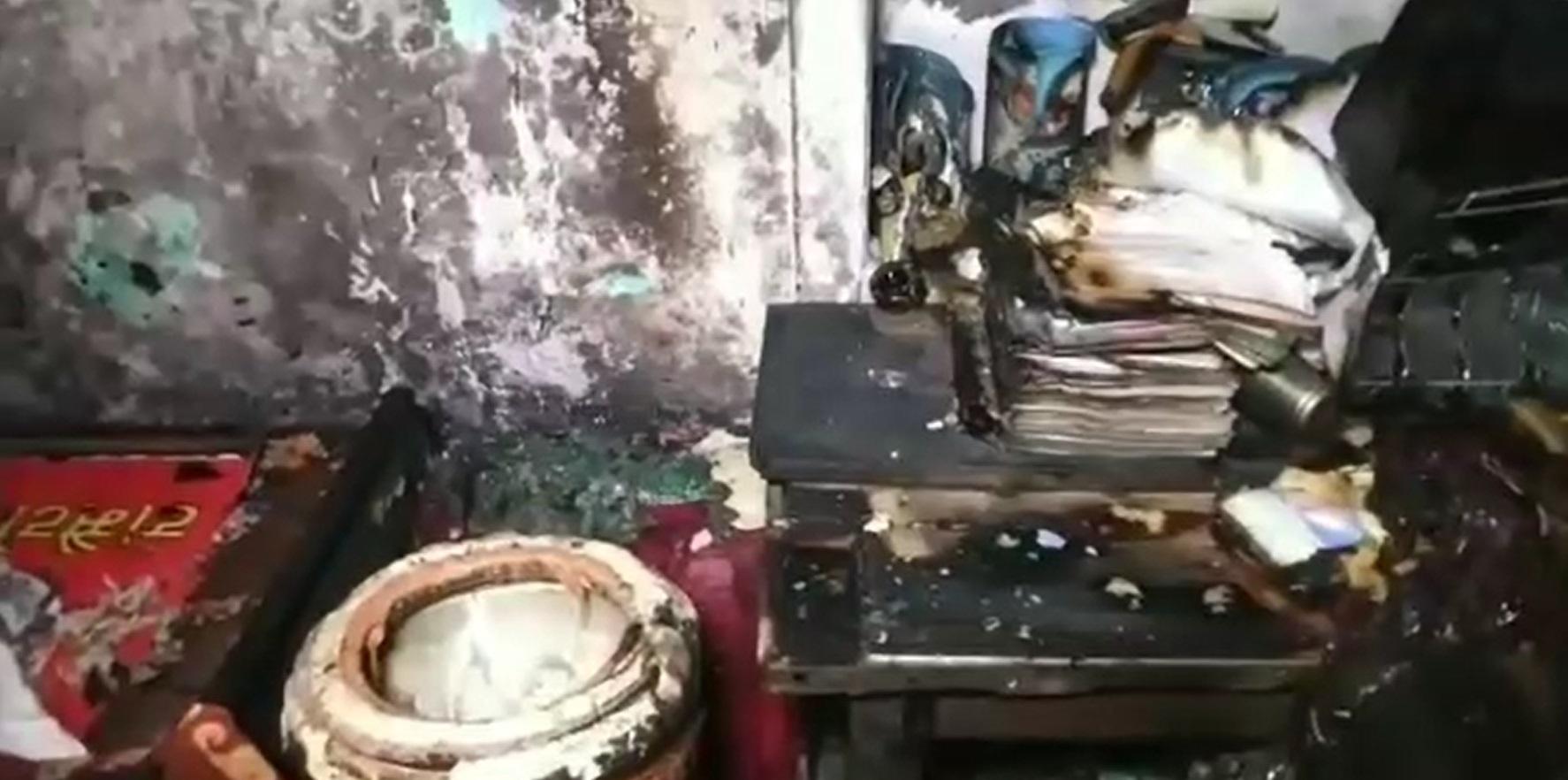 PunjabKesari, Explosion due to cylinder leaking while cooking