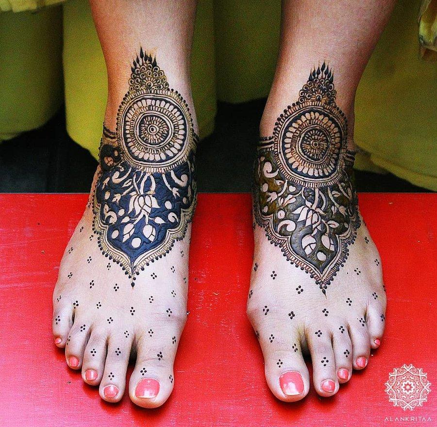 PunjabKesari,  सिंपल मेहंदी डिजाइन इमेज, Simple Mehndi Design for Feet, सिंपल मेहंदी डिजाइन फॉर फ़ीट