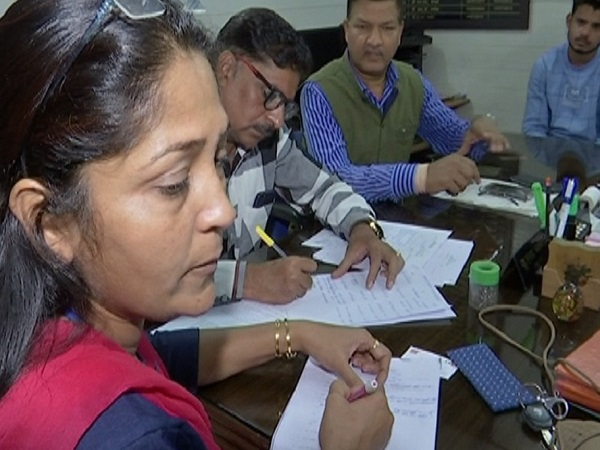 PunjabKesari, Madhya Pradesh News, Bhopal News, Lokayukta action, Joint Director of Agriculture Department, arrested taking bribe, 2 lakh bribe