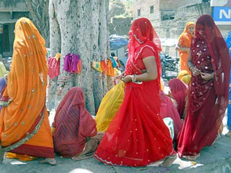 PunjabKesari, Hindu Religion, Hindu Shastra, Circled god temple, God temple, परिक्रमा, Hindu Dharm, Dharmik Katha In Hindi, Dharmik Story In Hindi, Religious Concept, Dharm