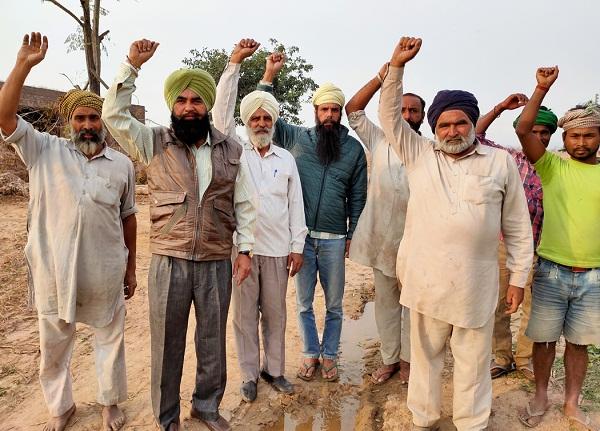 PunjabKesari, dirty water in fields
