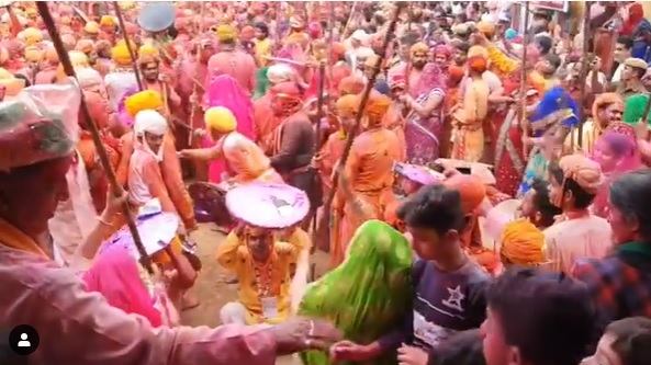kanha started playing holi in braj see schedual