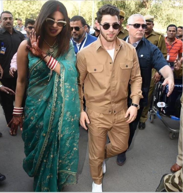 Bollywood Tadka,प्रियंका चोपड़ा इमेज, निक जोनस इमेज, जोधपुर इमेज, उम्मेद भवन इमेज, रॉयल वेडिंग इमेज, हिंदू वेडिंग इमेज, पेटा कमेटी ने लगाया आरोप इमेज,