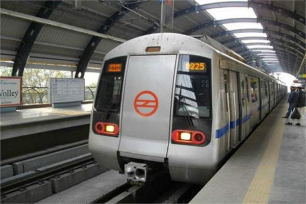 no entry for metro from gurugram to delhi on friday