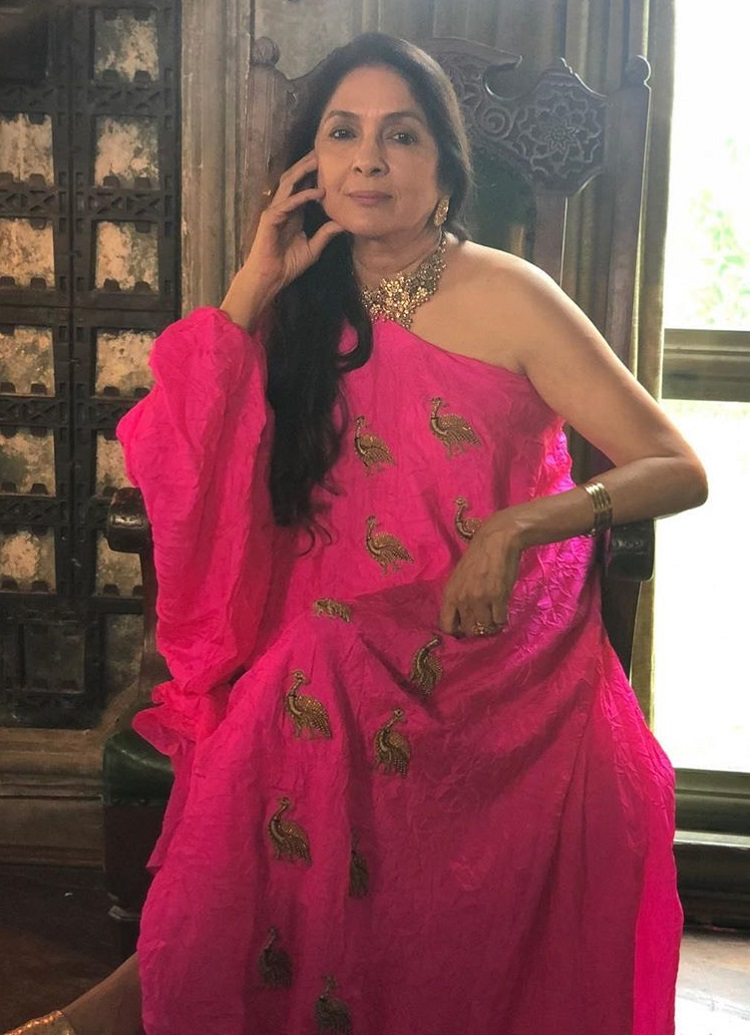 Bollywood Tadka,neena gupta images,neena gupta  photo, neena gupta  Pictures