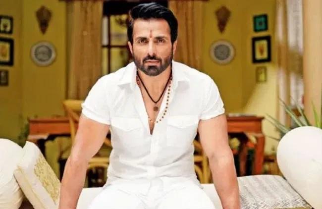 मजदूरों के मसीहा': सोनू सूद पर फिल्म बनाना चाहते हैं फिल्ममेकर संजय गुप्ता,  अक्षय कुमार बनेंगे पर्दे के हीरो sanjay gupta wants to make film on sonu  sood and akshay ...