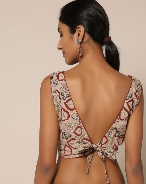 PunjabKesari, Best Backless blouse designs image, बेस्ट बैकलेस ब्लाउज डिजाइनइमेज