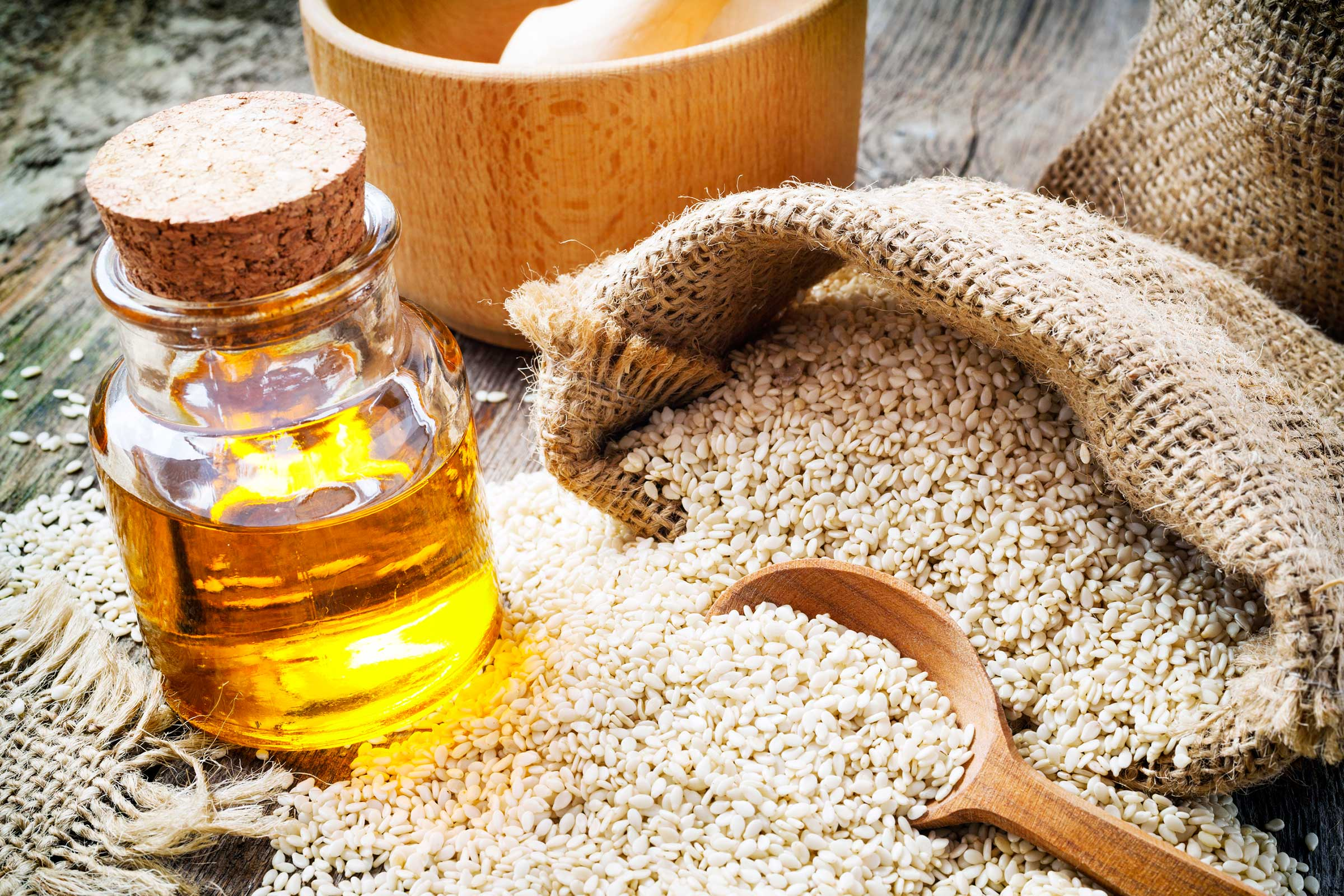 PunjabKesari, Sesame oil Image, Sunscreen Image, सनस्क्रीन लोशन इमेज, Beauty Hindi Tips Image