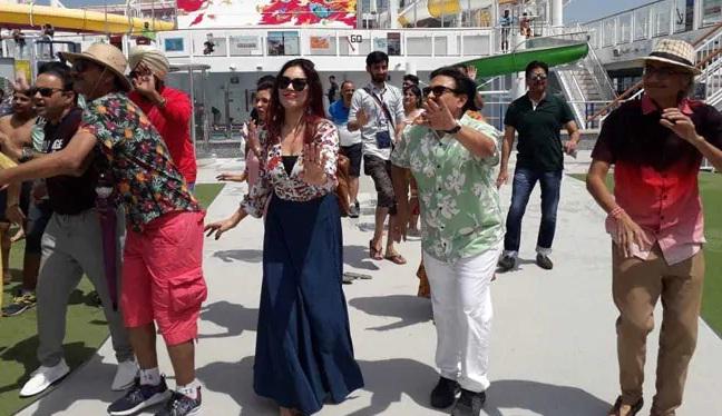 Bollywood Tadka,बबीता इमेज,बबीता फोटो,बबीता पिक्चर, जेठालाल इमेज,जेठालाल फोटो, जेठालाल पिक्चर,