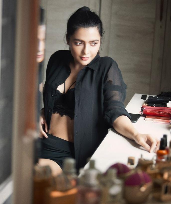 Bollywood Tadka,रूही सिंह इमेज,रूही सिंह फोटो,रूही सिंह पिक्चर