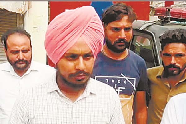 PunjabKesari, Suicide due to non-payment of loan money