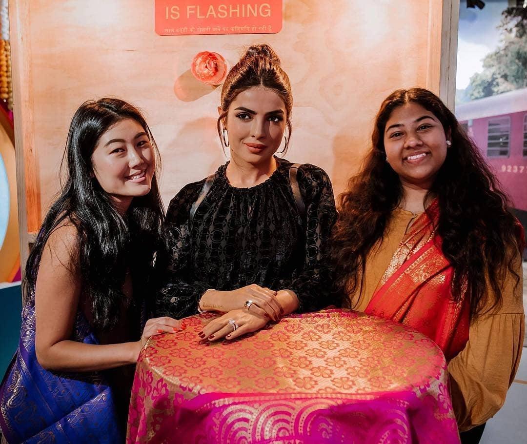 Bollywood Tadka, प्रियंका चोपड़ा इमेज,प्रियंका चोपड़ा फोटो,प्रियंका चोपड़ा पिक्चर
