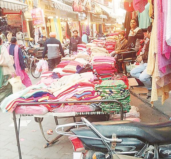 PunjabKesari, Corporation's roads on rent