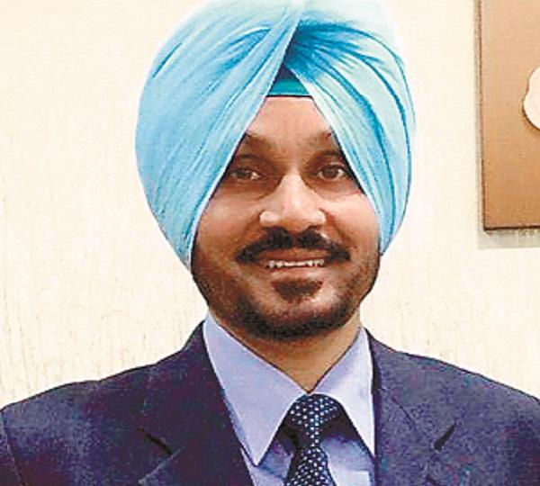 PunjabKesari, Senior Assistant Sanjeev Kalia sent legal notice to Daljit Singh Ahluwalia