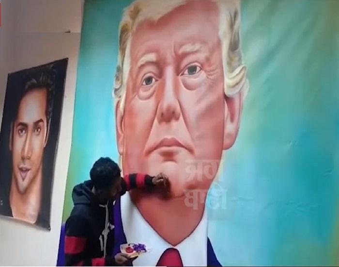 PunjabKesari, Painter made 10-foot-high painting of Trump