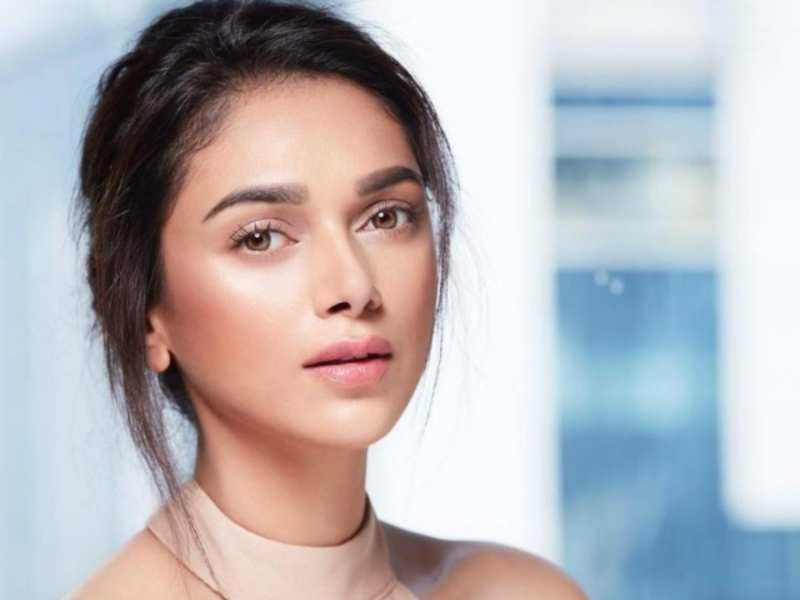 PunjabKesari, Aditi Rao Hydari Image, Bollywood Actress Image, Bollywood Actress Beauty Secret Image
