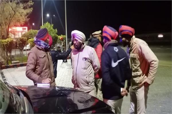 PunjabKesari, 3 students died in tragic accident going to celebrate party
