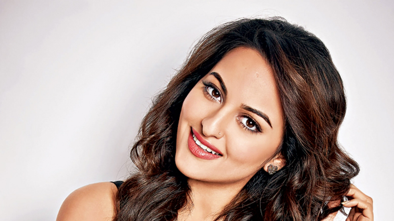 PunjabKesari, sonakshi sinha Image, Bollywood Actress Image, Bollywood Actress Beauty Secret Image