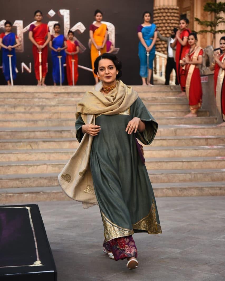 PunjabKesari, , Nari, stylish kurtis image, kangana ranaut image, कंगना रनौत की कुर्तीज