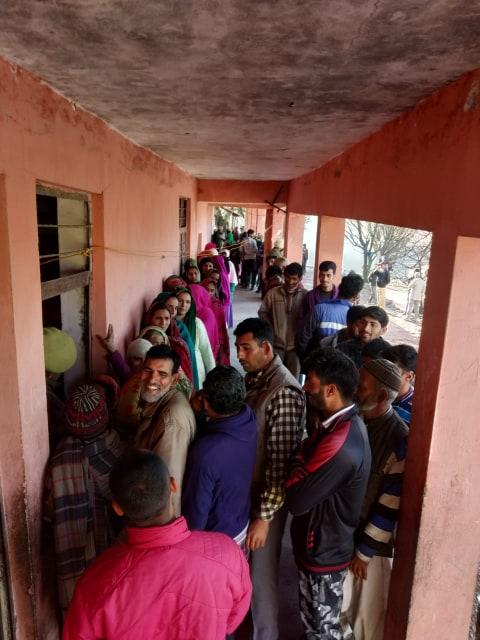 polling starts for 7th phase in jammu kashmir panchayat election