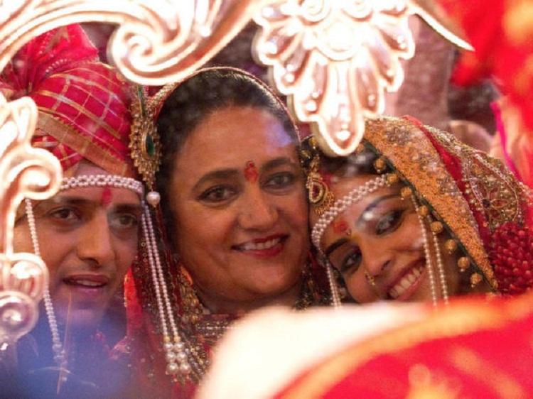 Bollywood Tadka,riteish deshmukh photo,ritesh deshmukh image,ritesh deshmukh family photo,रितेश देशमुख फोटो,रितेश देशमुख इमेज