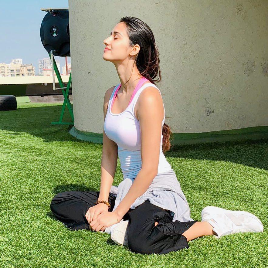 PunjabKesari, Disha Patani Beauty Secret Image, Bollywood Actress Beauty Secret Image
