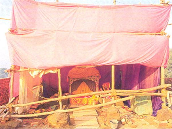 ramlala will stay in bulletproof cottage before the temple is built