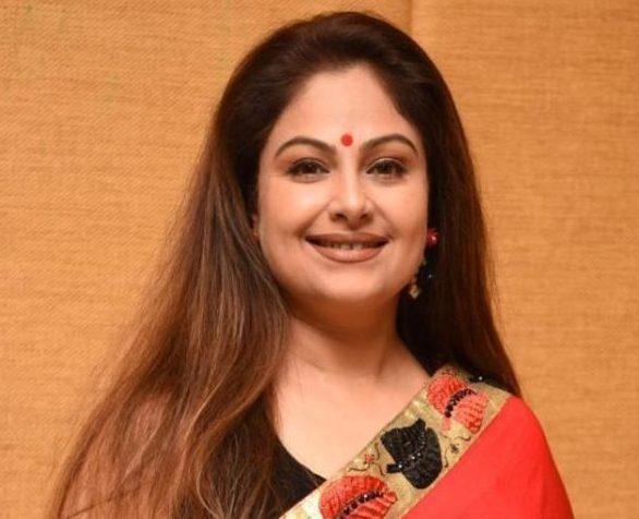 अब इतनी बदल गई है अक्षय कुमार की ये EX गर्लफ्रेंड, नाना पाटेकर के साथ भी  रहीं थी लिव इन में ayesha jhulka birthday actress had affair with akshay  nana patekar bollywood