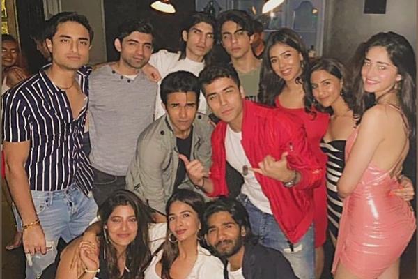 Bollywood Tadka,अनन्या पांडे इमेज,अनन्या पांडे फोटो,अनन्या पांडे पिक्चर,आर्यन खान इमेज,आर्यन खान फोटो,आर्यन खान पिक्चर