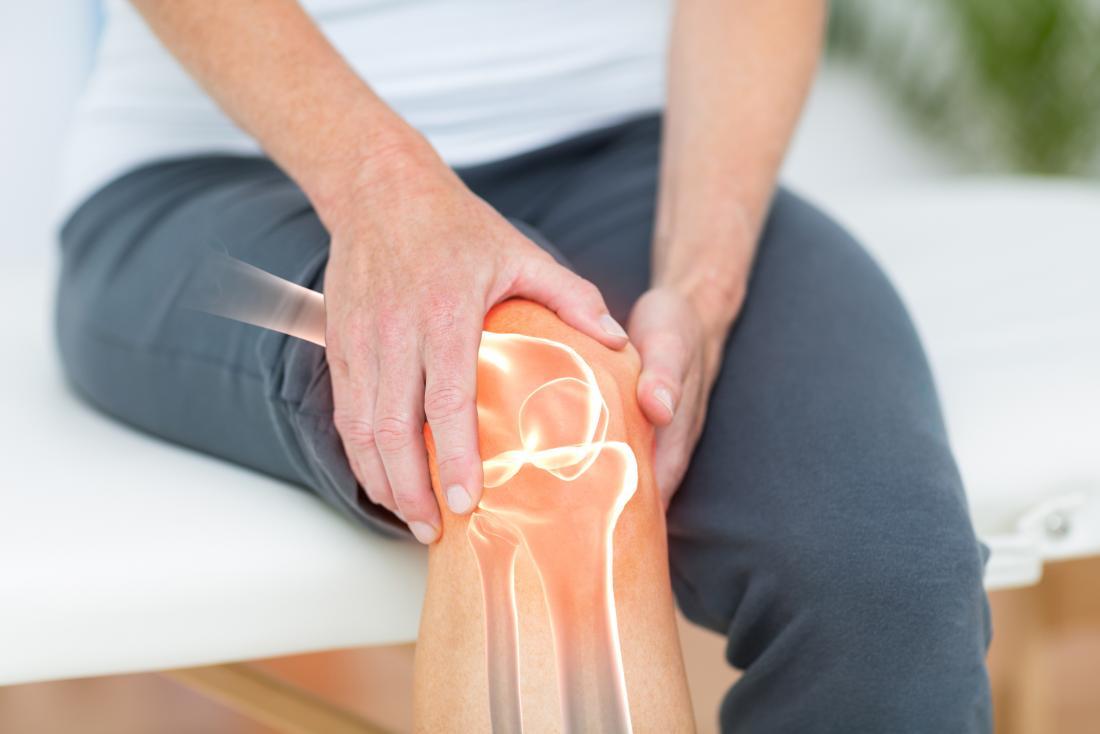 PunjabKesari, Joint Pain Image, Leech Therapy Image, जोंक थेरेपी इमेज, जोंक थेरेपी के फायदे इमेज